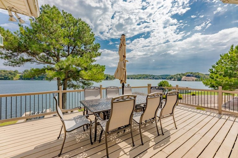 Vacation Home on the Lake Loch Lomond in Bella Vista, AR